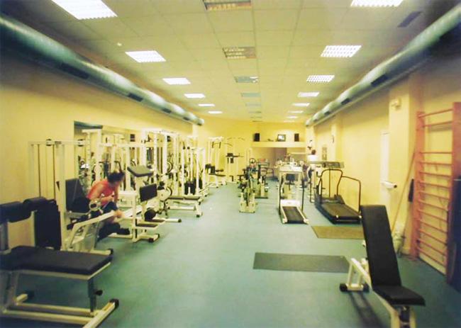 Chocarro y Herranz Arquitectos, Centro médico deportivo KINES ...